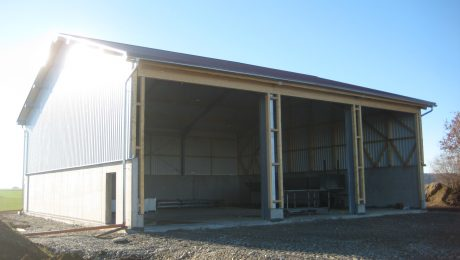 Landwirtschaftliche Maschinenhalle in Weil